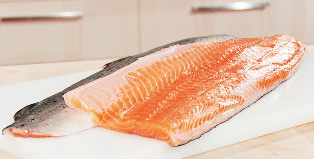 Step-by-Step: Lachs professionell filetieren