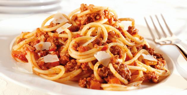 Spaghetti alla Bolognese – traditionell italienisch