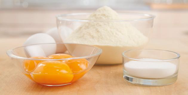 Step-by-Step: Nudelteig mit Ei herstellen