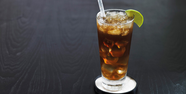 "Long Island Iced Tea – natürlich ""On the Rocks"""