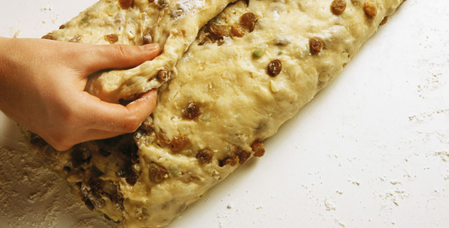 Step-by-Step: Dresdner Christstollen selber backen