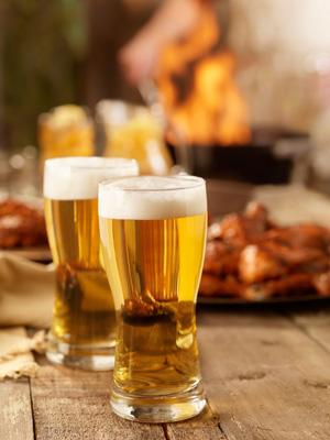 Bier gehört nur neben den Grill