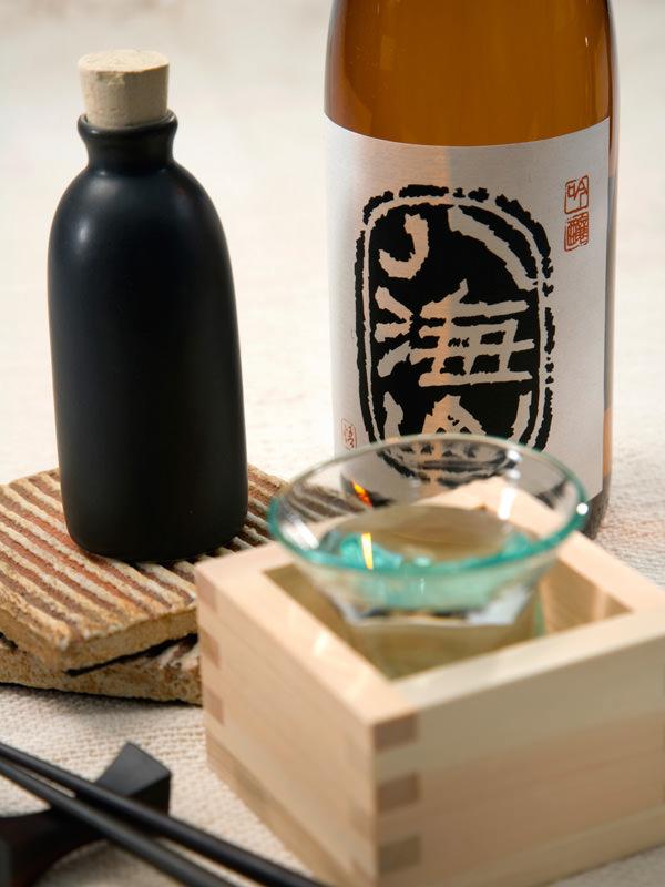 Sake gilt in Japan traditionell als der Trunk der Götter