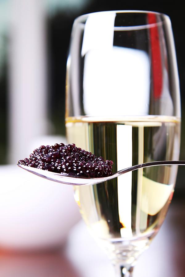 Kaviar und Champagner in St. Moritz
