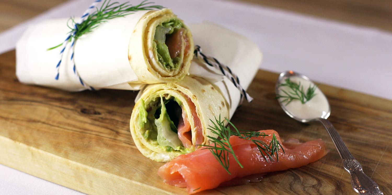 Lachs-Wraps mit Avocado und Frühlingszwiebeln