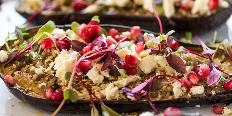 Gefüllte Auberginen mit Feta und Granatapfel