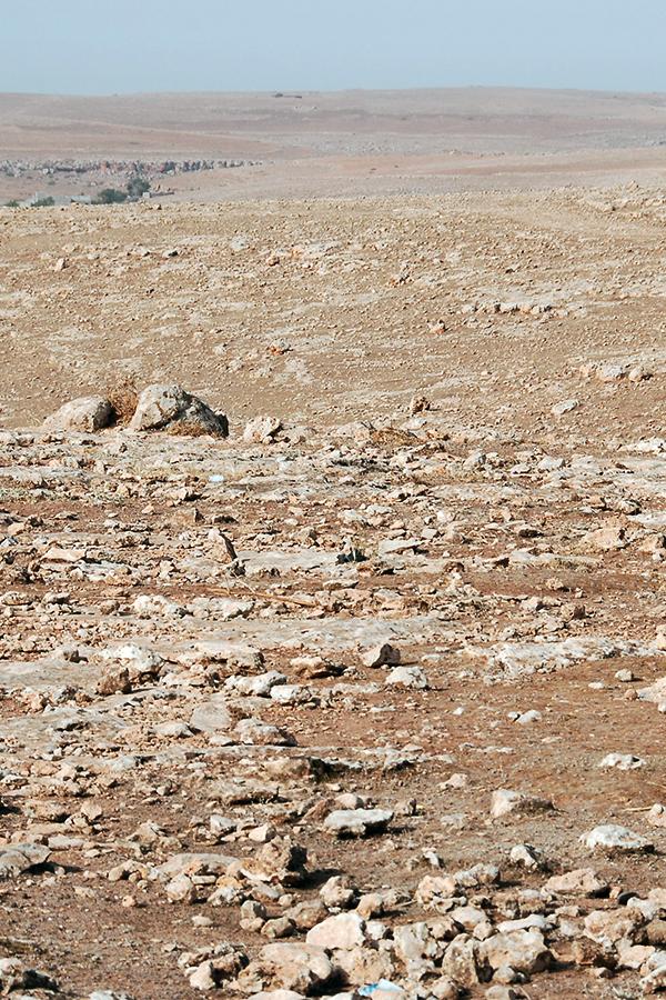 Weit und breit trockene Wüste